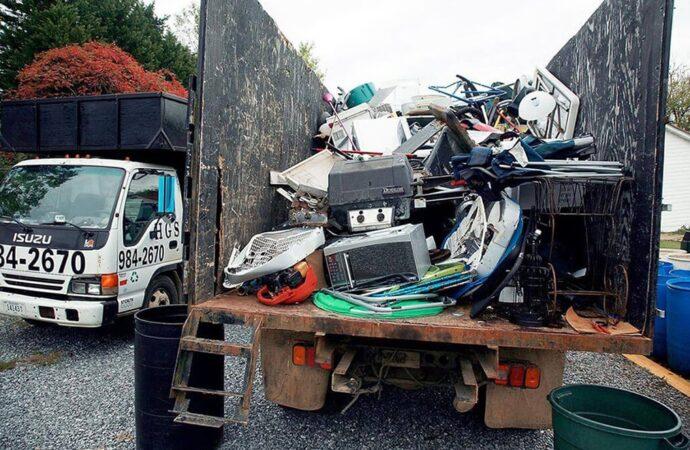 Junk Hauling-Henderson Dumpster Rental & Junk Removal Services-We Offer Residential and Commercial Dumpster Removal Services, Portable Toilet Services, Dumpster Rentals, Bulk Trash, Demolition Removal, Junk Hauling, Rubbish Removal, Waste Containers, Debris Removal, 20 & 30 Yard Container Rentals, and much more!
